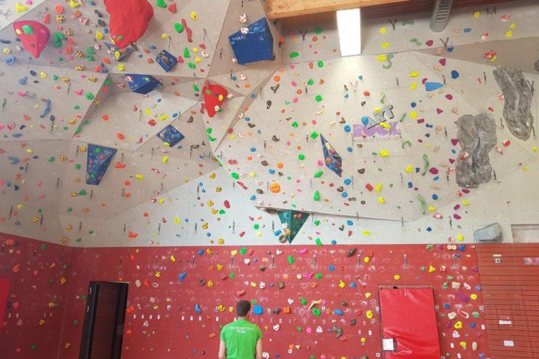 Kletterwand Karlsgymnasium  und Boulderraum Piding am 16.05.2018 wegen Inspektion gesperrt