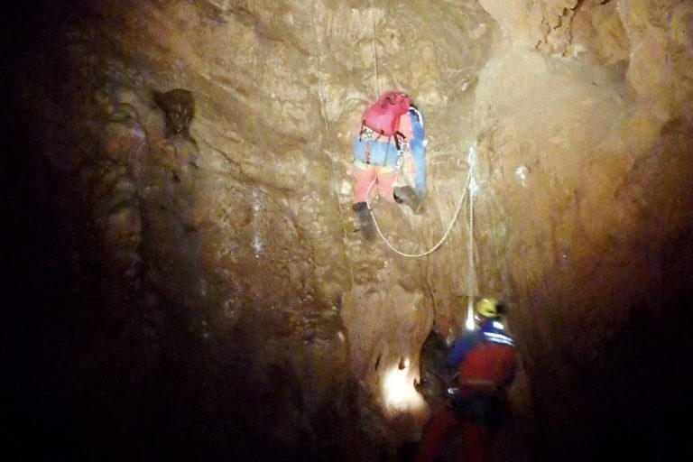 Welt ohne Licht: Höhlen