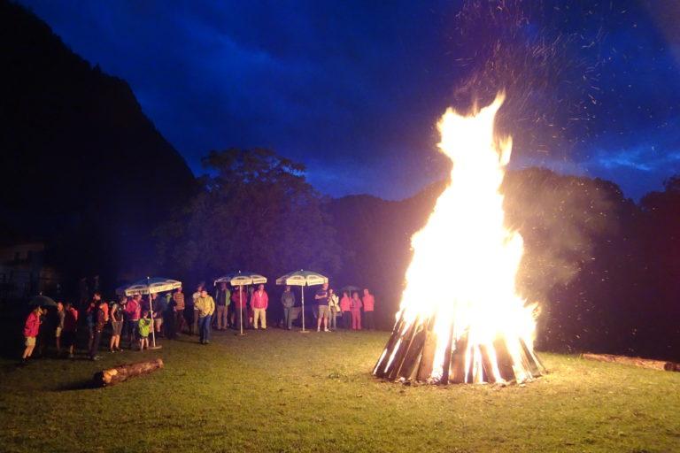 Sonnwendfeuer beim Kuglbachbauern
